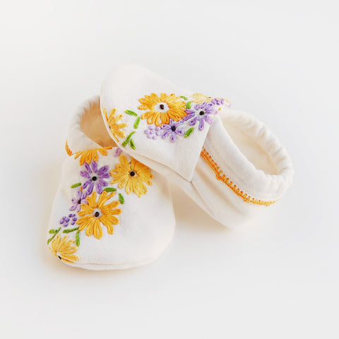 """Daisy"" baby booties"