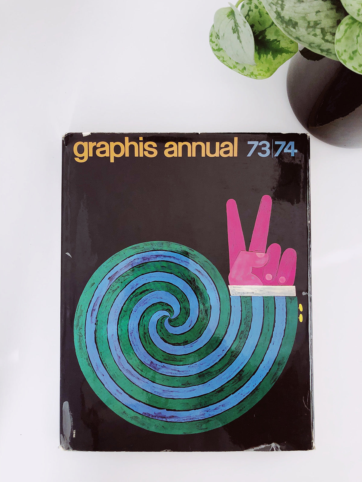 """73/74"" Graphis Annual Book"