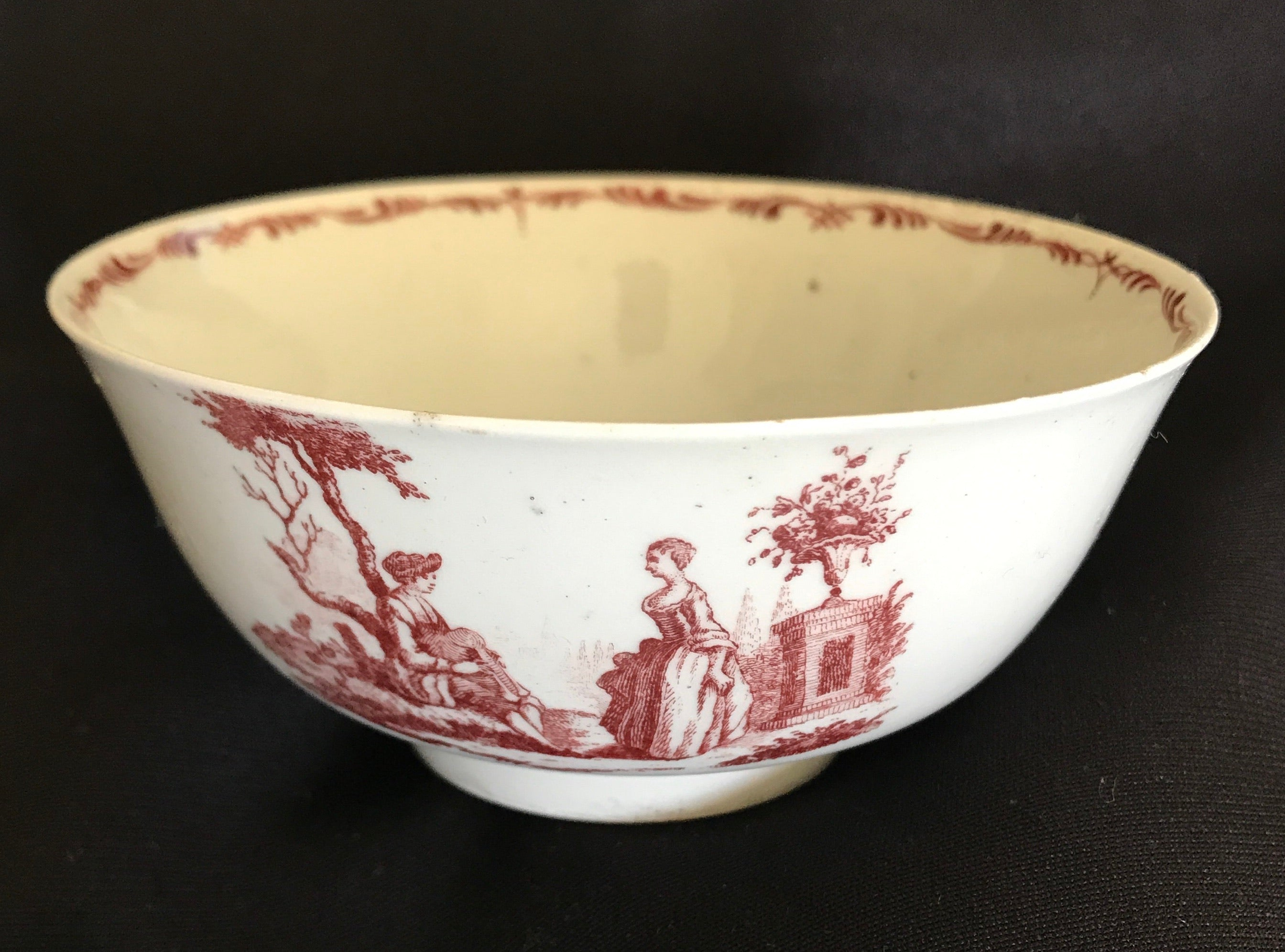 18th Century Worcester Porcelain Bowl Transfer-Printed in Red.