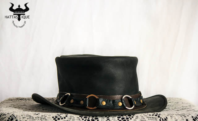 Chain Band Top Hat
