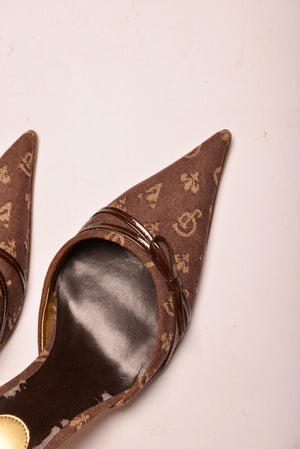 Guess Monogram Pointed Toe Heel (7) - Mercado32