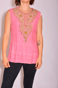 Vintage Embroidered Pink Top (S/M) - Mercado32