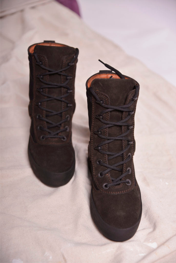 Yeezy Season 3 Onyx Suede Military Boot (37) KW2581.022 - Mercado32