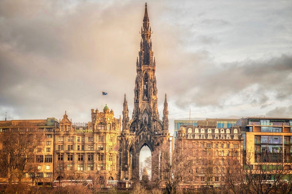Scott Monument Postcard - Blue Phoenix City Products Uk