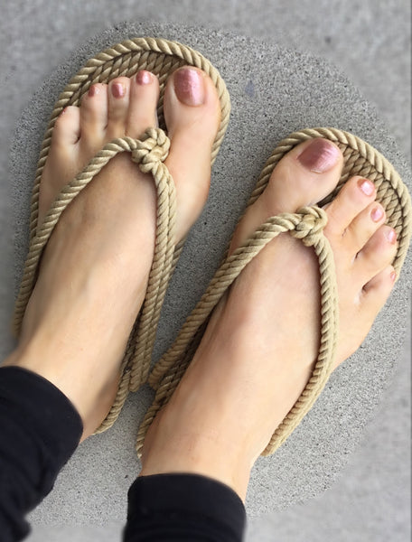 Women's Straw Rope Flip Flops