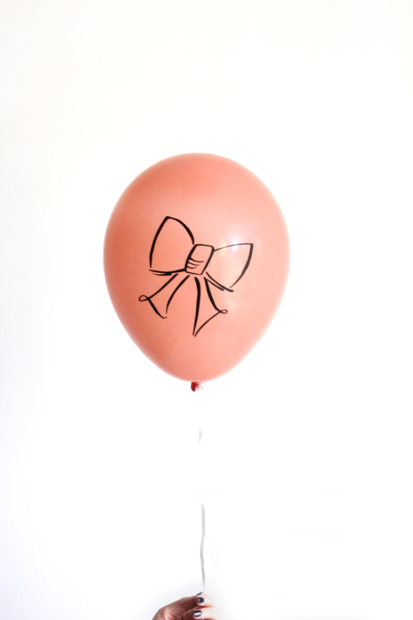Peach Bow Balloon