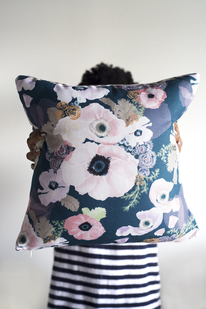 une femme pillow two ways