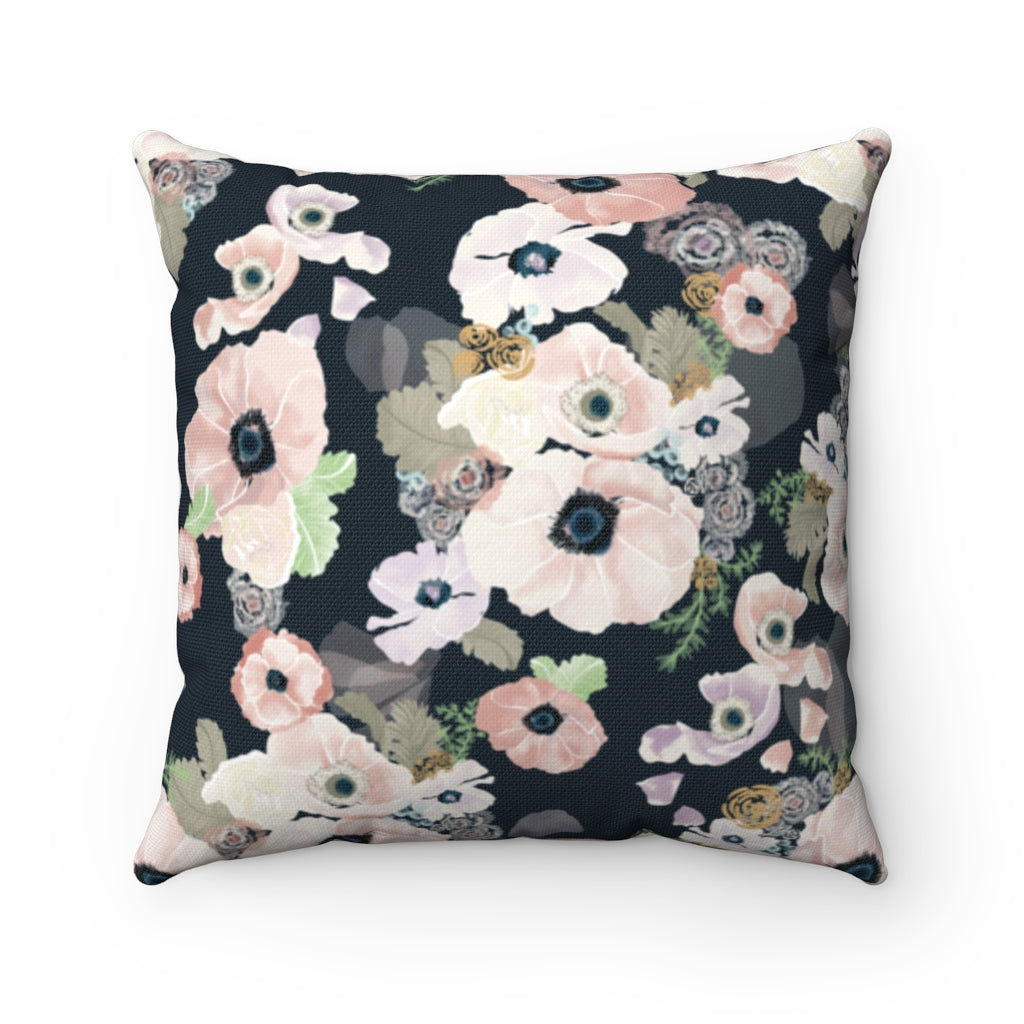 Une Femme Throw Pillow