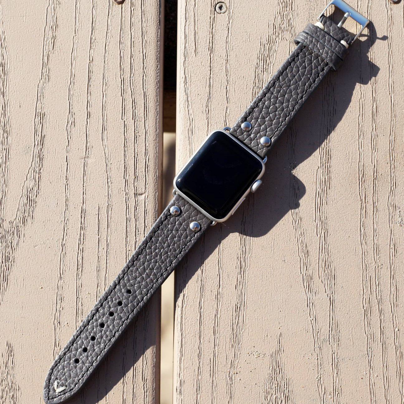LEATHER APPLE WATCHBAND - STEEL GREY