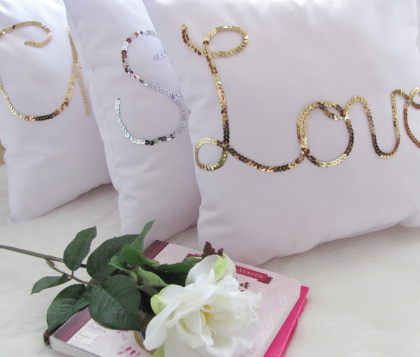 Gold love pillow