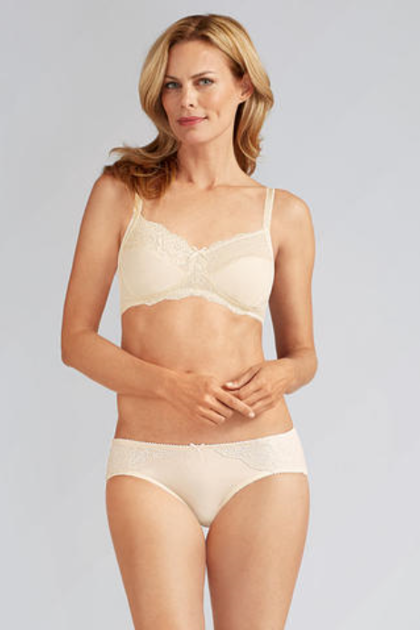 Lilly-Off-White * 34 B/D, 38D, 42D