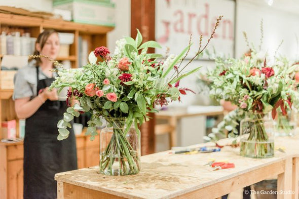 The modern vase arrangement workshop Sunday 28th March