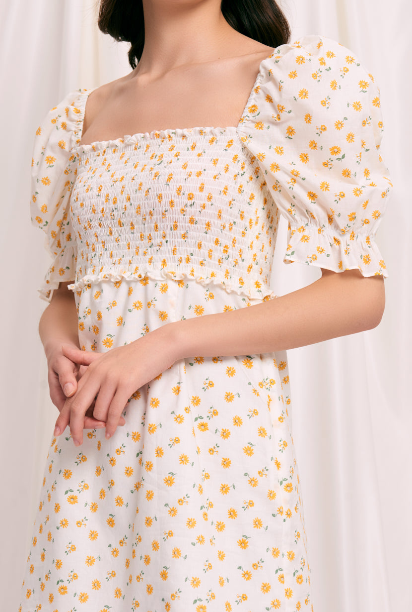 Aniston Cotton Dress - Daisy Print - floral daisy printed square neckline smocked dress with puff short sleeve with ruffle hem - Petite Studio NYC
