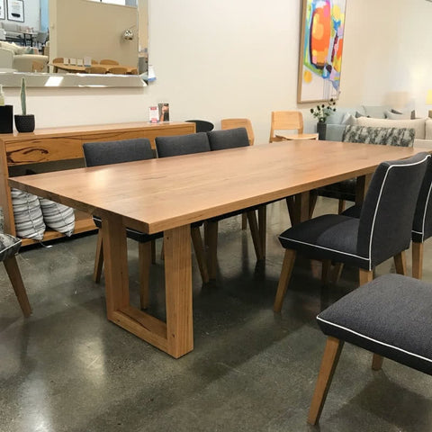Chicago dining table floor stock clearance
