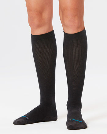 2XU WOMEN'S 24/7 COMPRESSION SOCKS