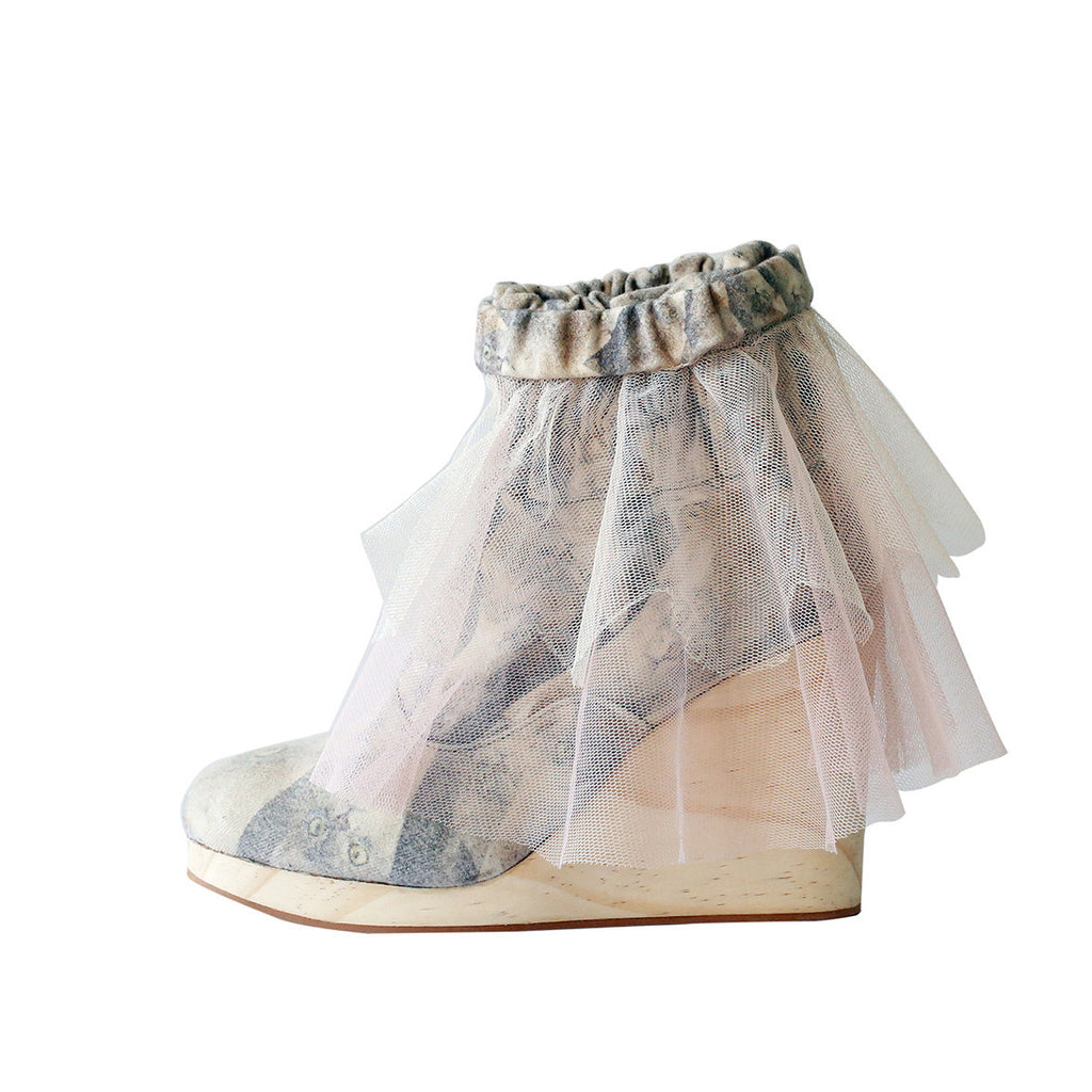 supersweet, super sweet, moumi, shoes, croon, tutu, tulle, ruffles, frills, boots, booties, wedge, heel, wooden, cat, cats, cat print, crazy cat lady, collaboration, shoes, footwear, detachable, pink, beige, neutral