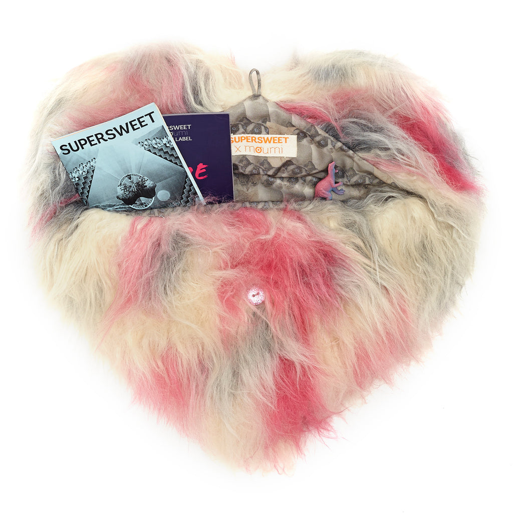 supersweet, super sweet, moumi, fur, faux fur, heart, bag, swing, pantone, pink, blue, cotton candy, candyfloss, meow, furry, fun, clutch