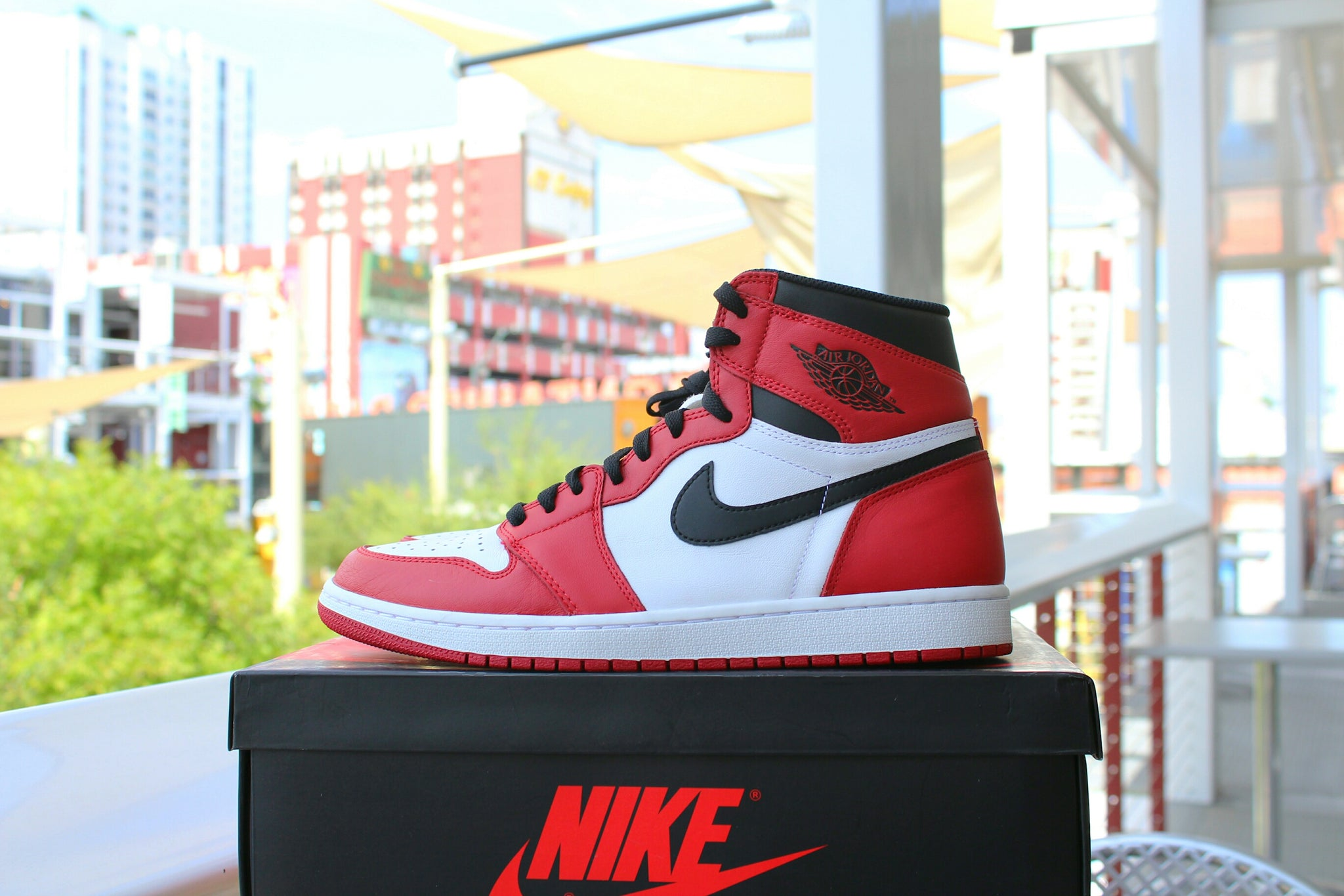Air Jordan 1 Retro OG High (Chicago)