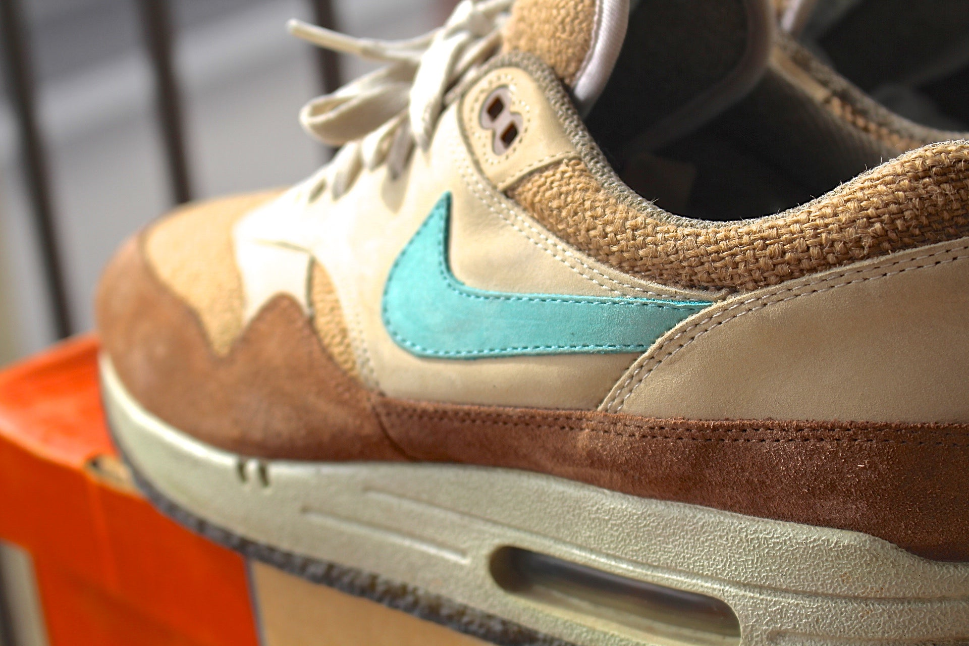 "Nike Air Max 1 - Crepe ""Hemp"" Birch Blue"