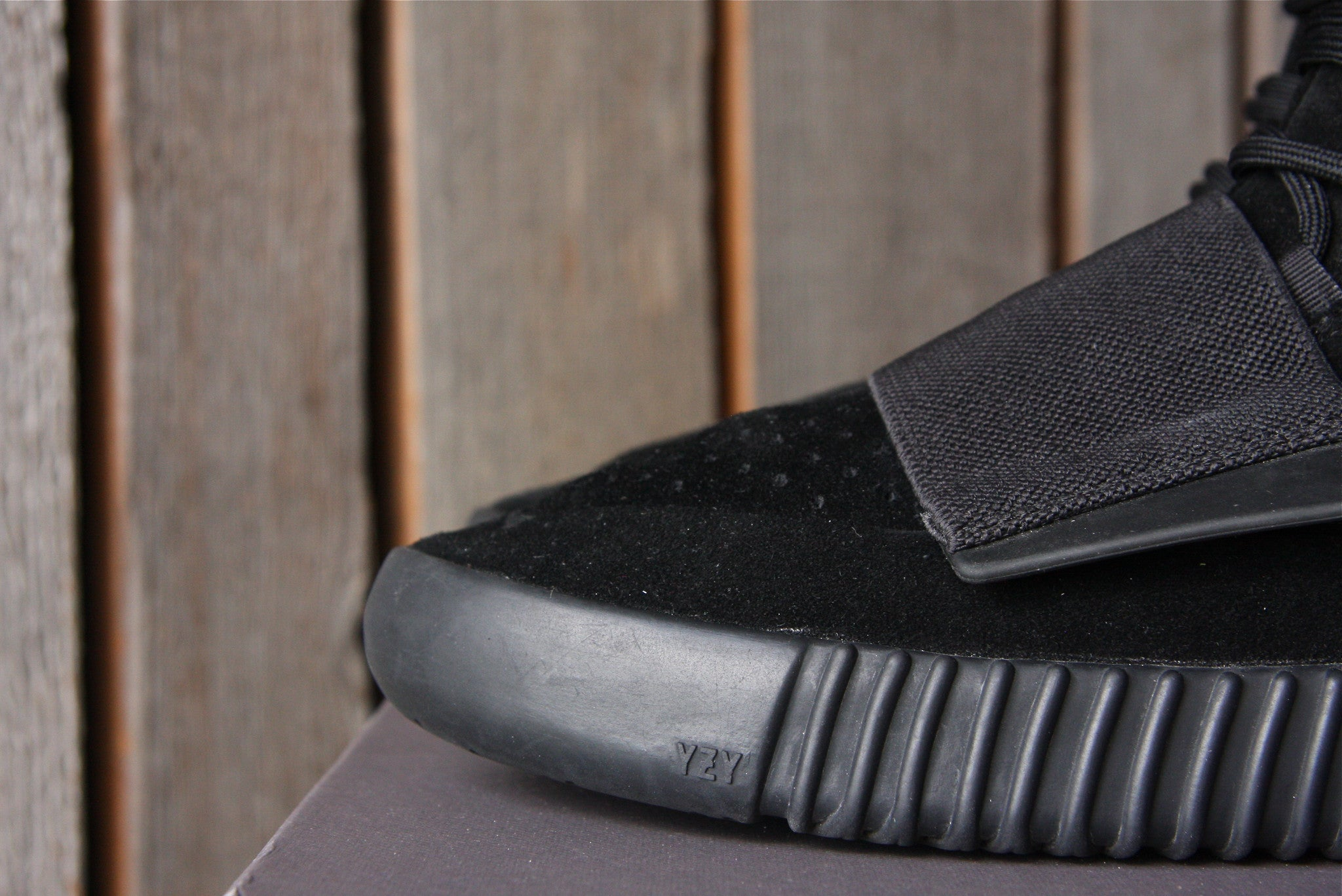 Adidas Yeezy Boost 750 (Black)