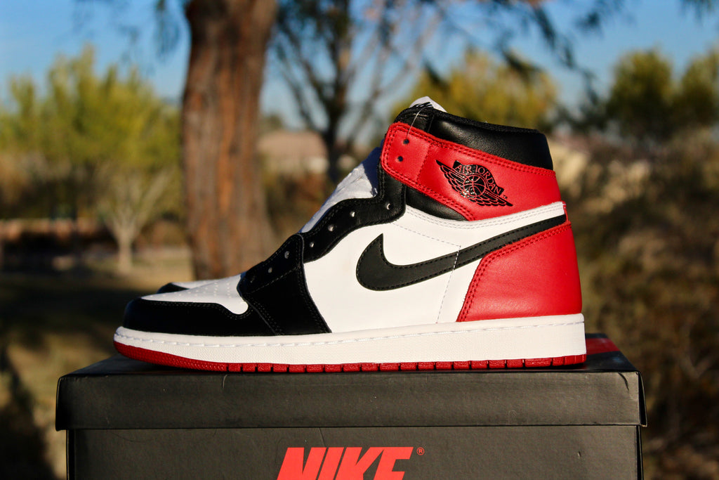 Air Jordan 1 Retro OG High (Black Toe)
