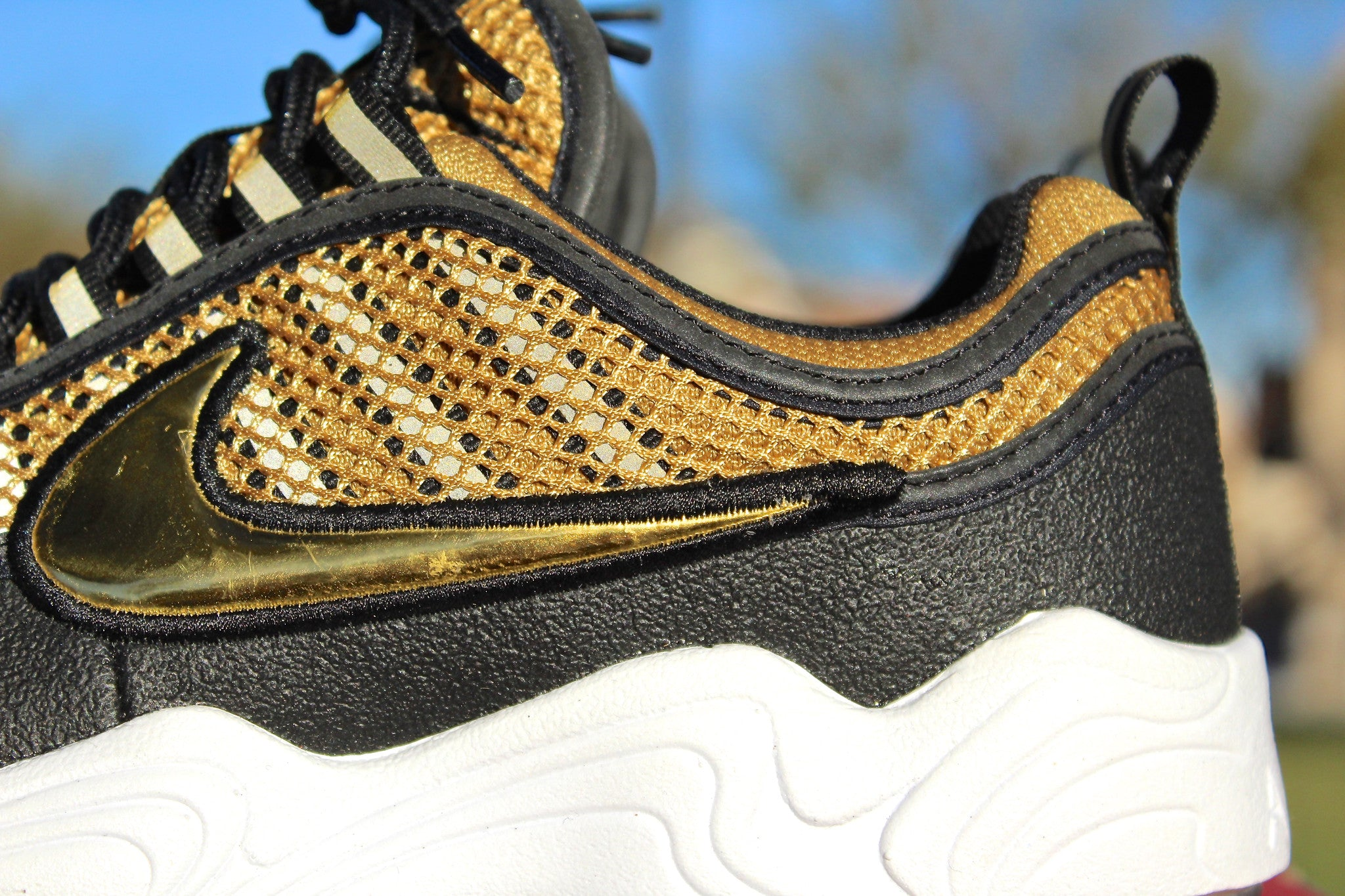 Nike Spiridon (Metallic Gold)