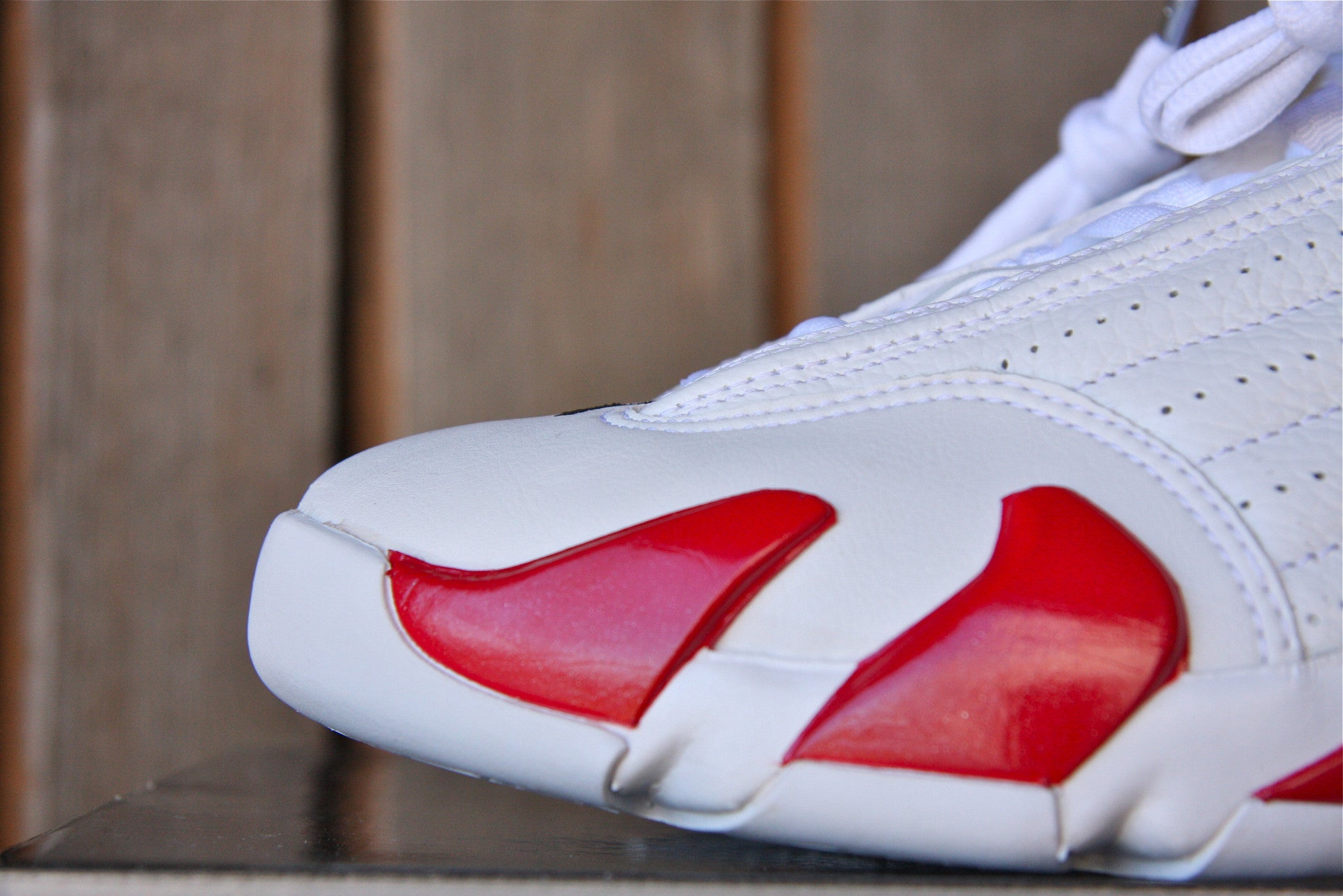 Air Jordan 14 Retro 2005 (Candy Cane)