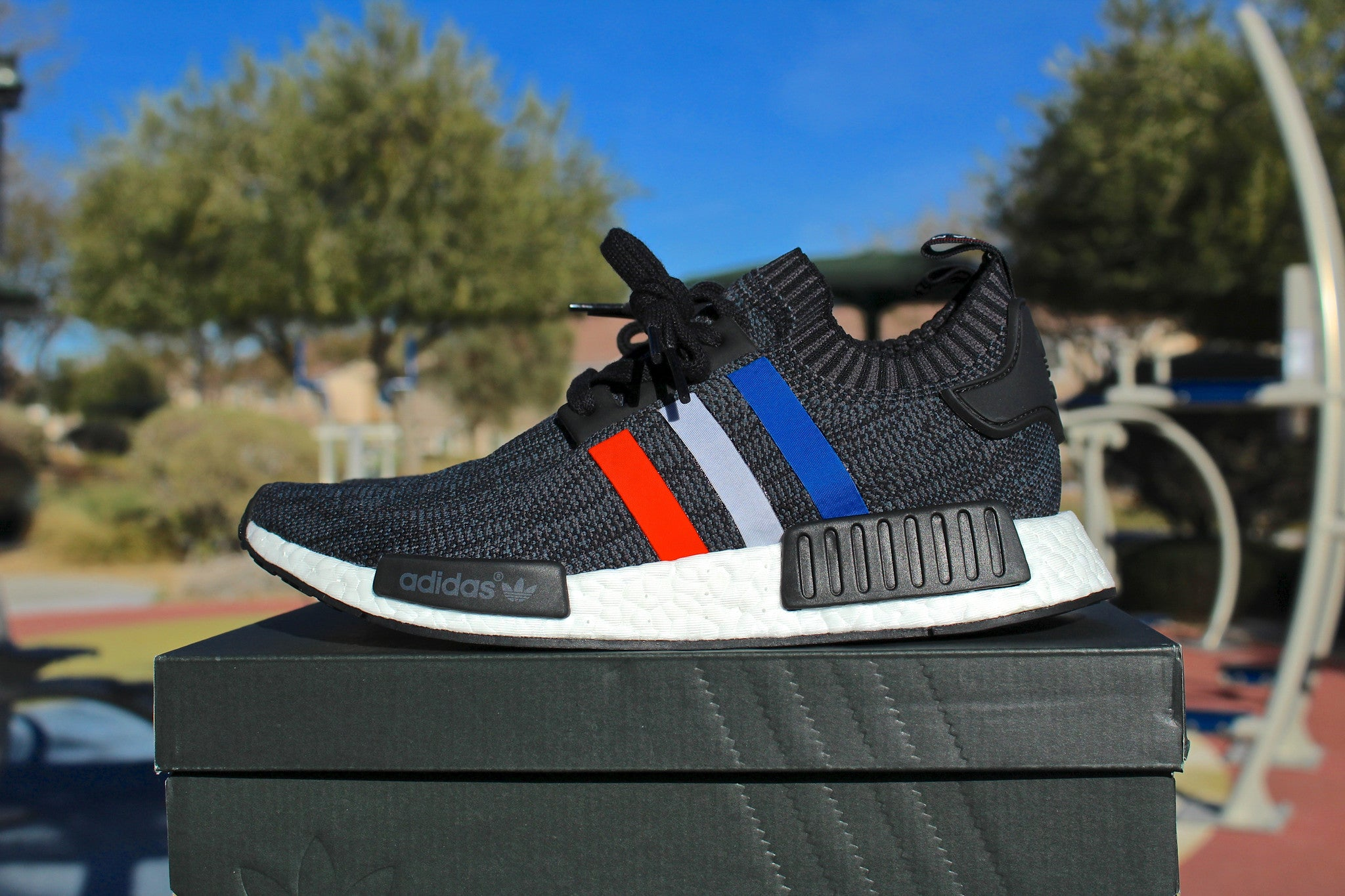 on sale b8380 656e7 Adidas NMD R1 PrimeKnit (Tricolor Black)