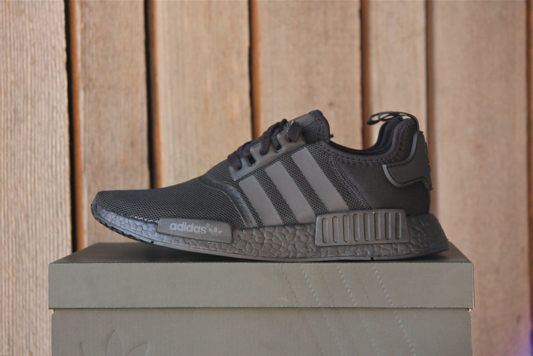 Adidas NMD R1 (Triple Black)