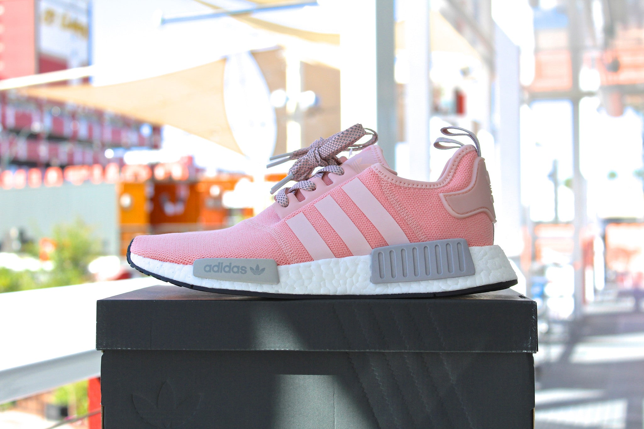 Adidas NMD R1 W (Vapour Pink)