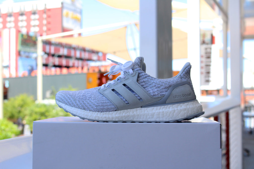 Adidas Ultra Boost 3.0 W (Reigning Champ)