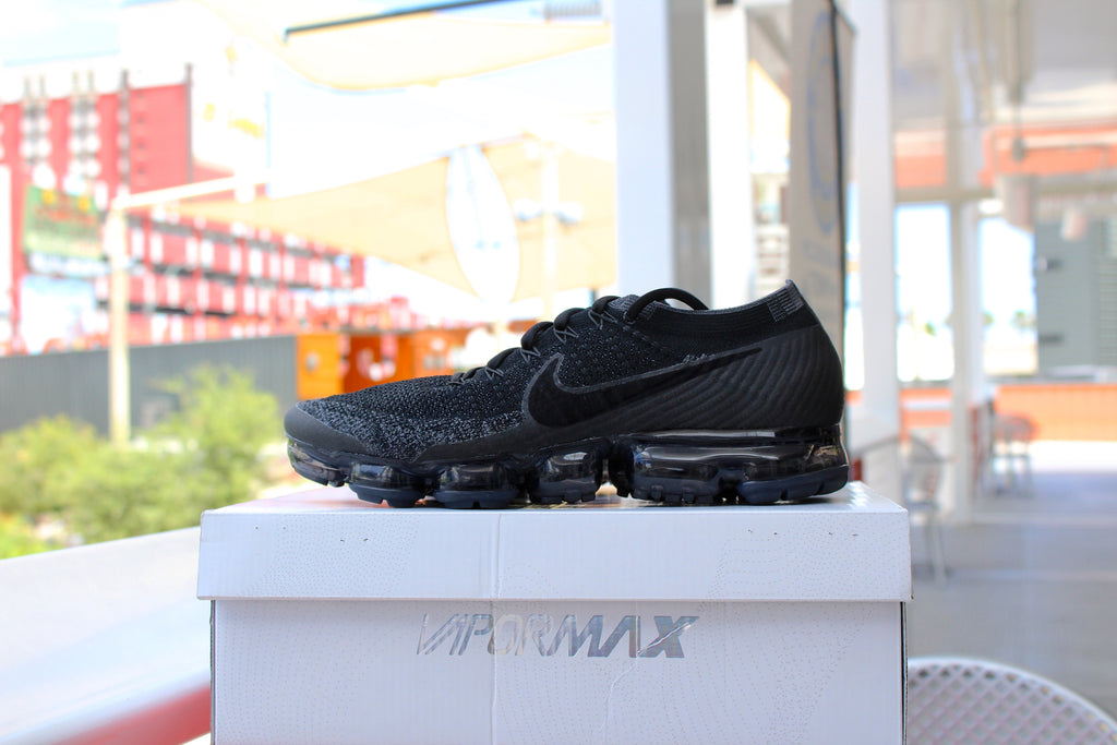 Nike Vapormax (Triple Black)