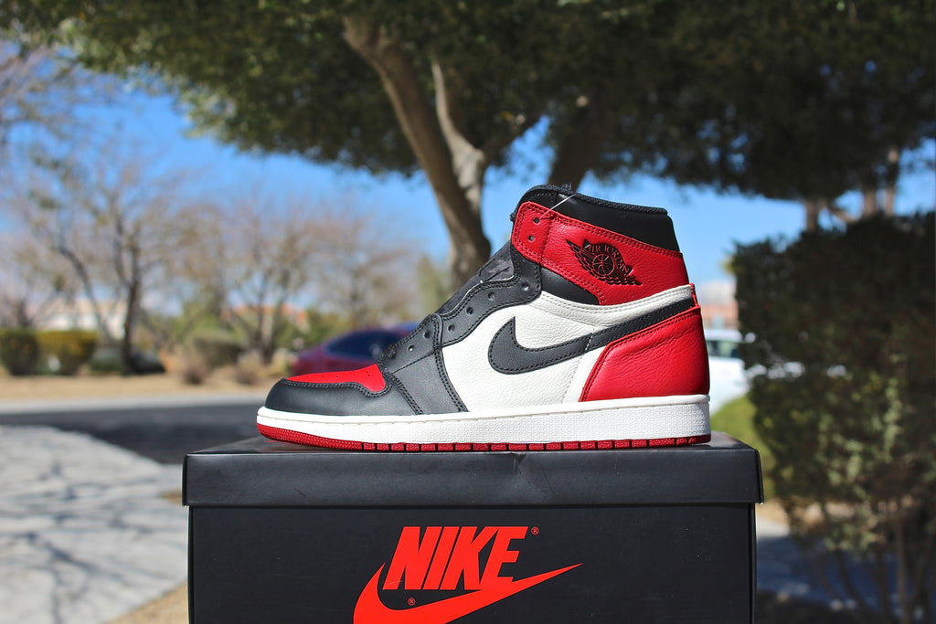 Air Jordan 1 Retro OG High (Bred Toe)