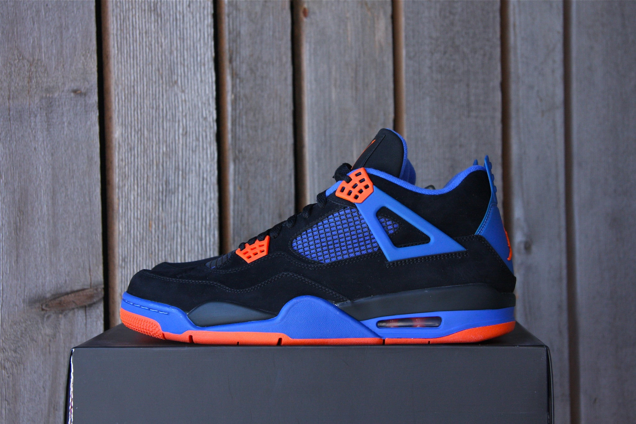 Air Jordan 4 Retro (Cavs)