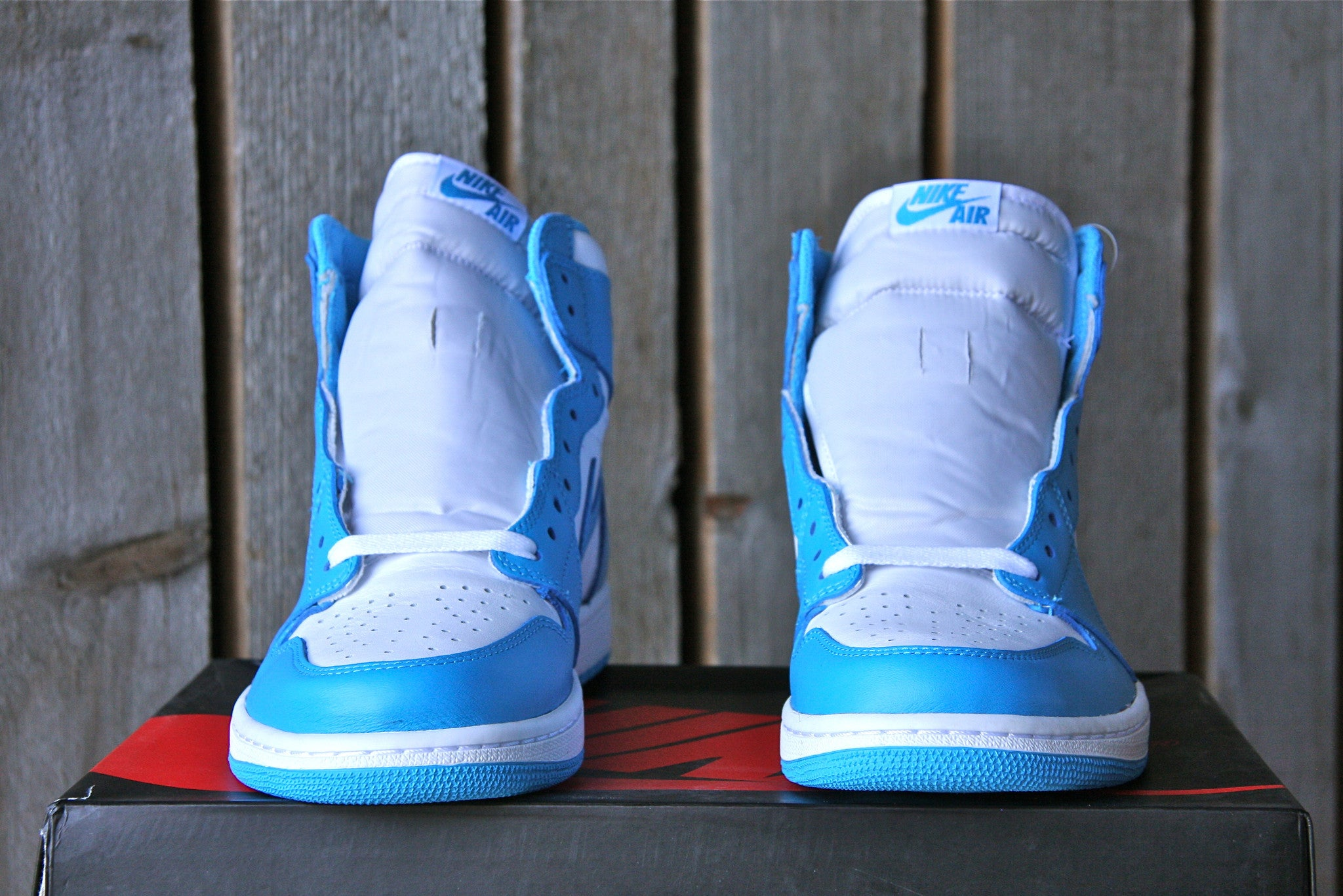 Air Jordan 1 Retro OG High (UNC)