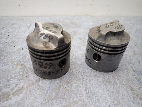 1950's Evinrude Johnson Outboard 7.5 7 1/2 HP Piston Set of 2 202517 270700 376989