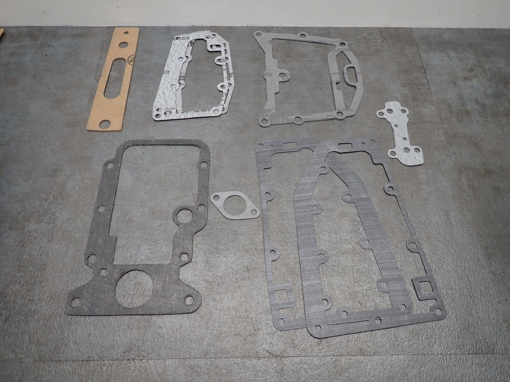 NEW NOS Chrysler Outboard 9.9 15 HP Powerhead Gasket Set G1005  FG1005-2