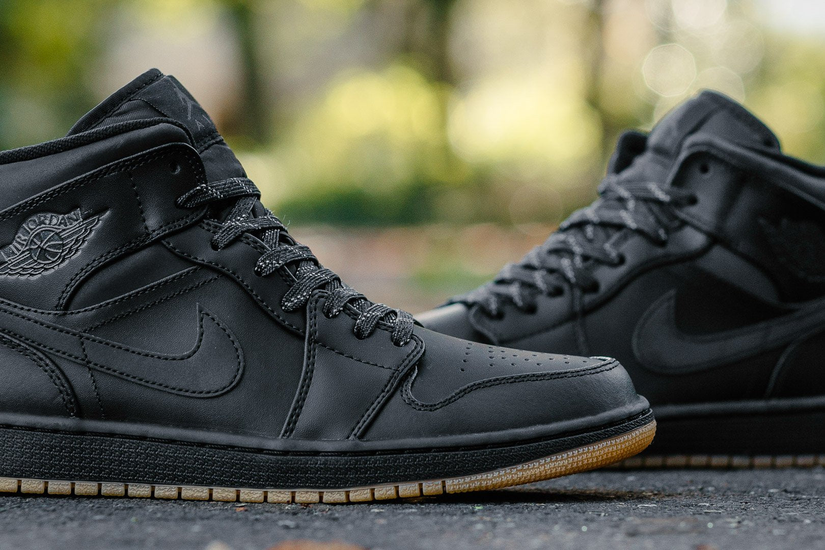 ... Air Jordan 1 Mid Winterized AA3992-002 ... c4677d541