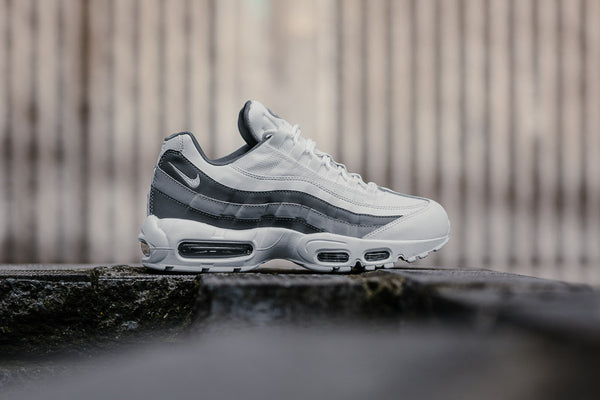 Nike Air Max 95 Essential 749766-105