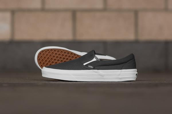 Vans Mono Canvas Classic Slip-On VA38F7QD8