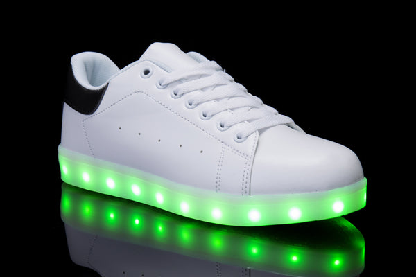 Hoverkick Womens Shooting Stars LED Sneaker (White / Black): PRE ORDER: SHIPS APRIL 26
