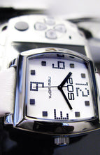 EOS NEW YORK SYNTAX Watch in White