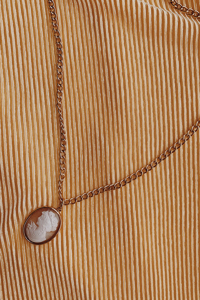 Mia Cameo Necklace