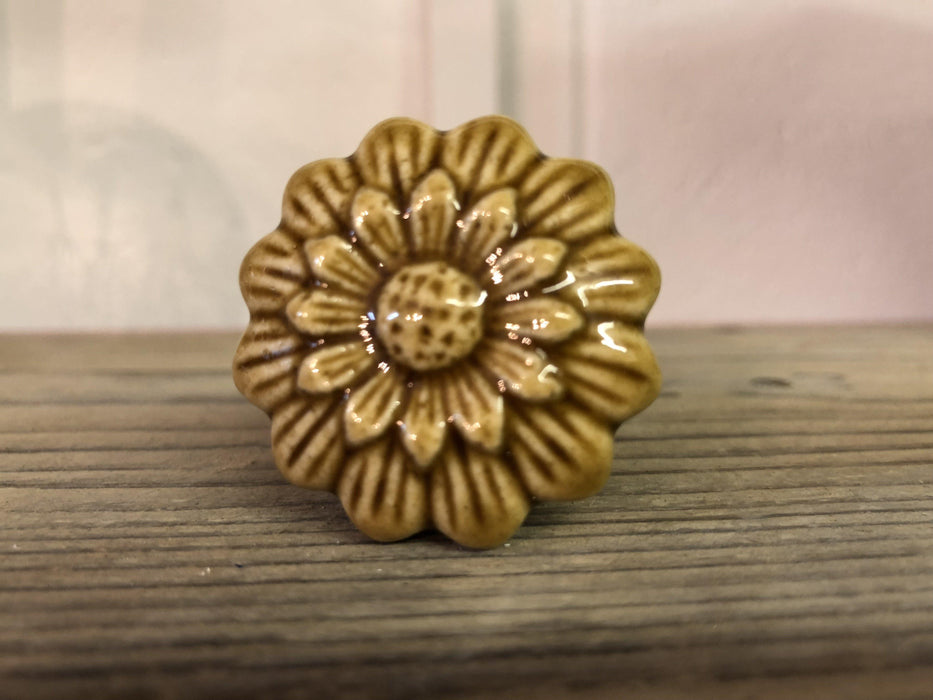 Gisela Graham Carved flower knob, Knobs, Shabby Nook Shabby Nook