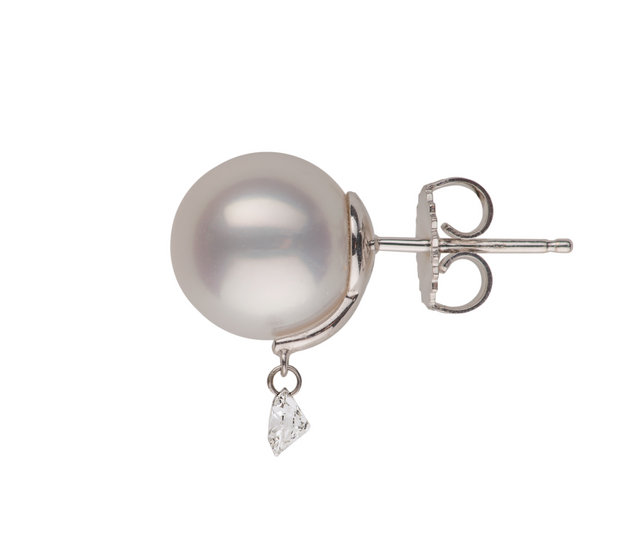 Pearl Stud with Twinkling Diamond