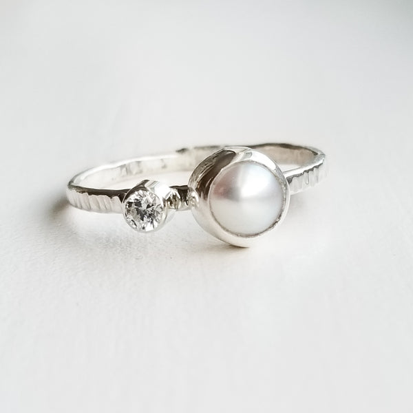 Pearl ring - sterling silver - size 8