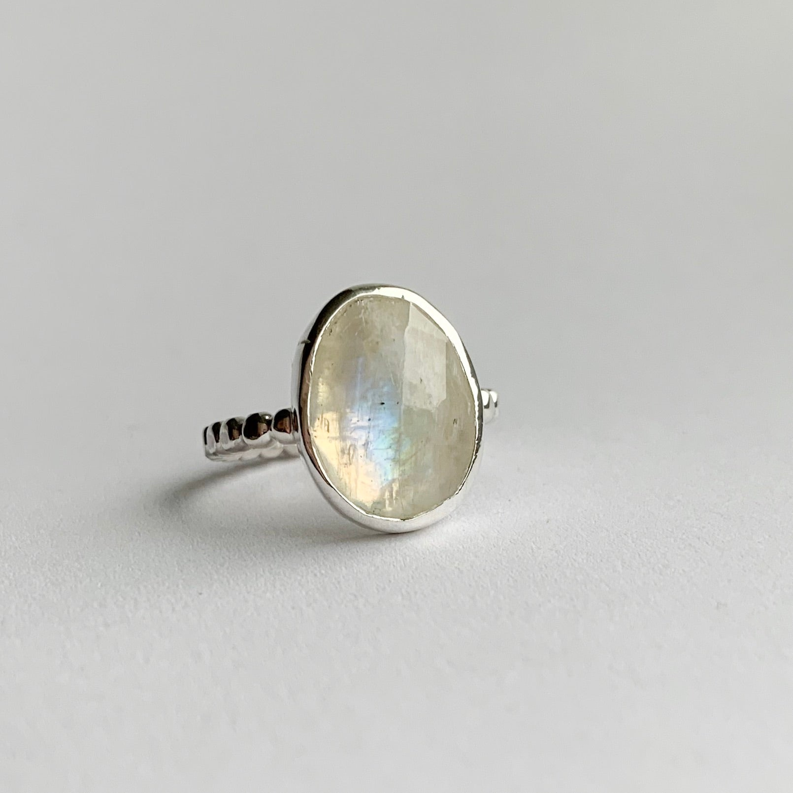 large moonstone ring - sterling silver - size 7