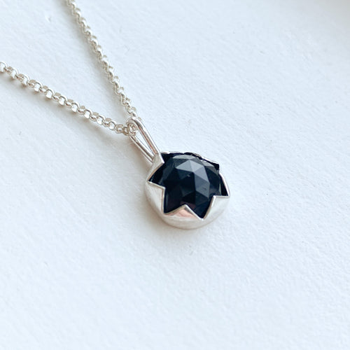 Black Onyx serrated necklace  - silver