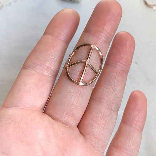 Peace sign ring - gold