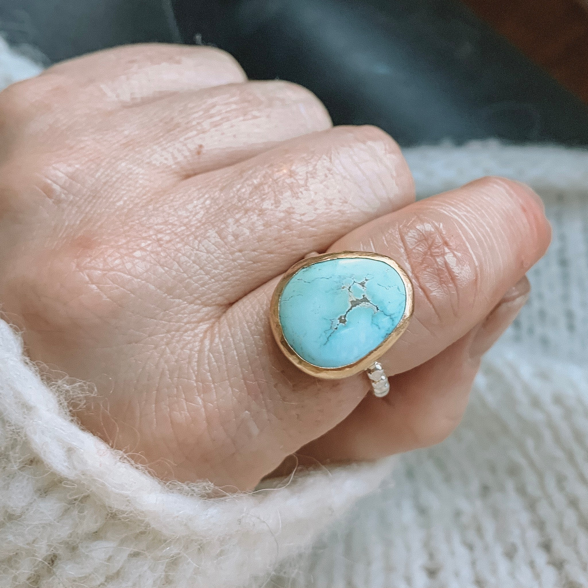 Medium ring -gold- size 8.5